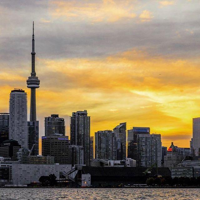 Coming all the way back home for ya #TorontoForever #BuildAFuture • 📸: @michaeltsirakis —  Follow Him!