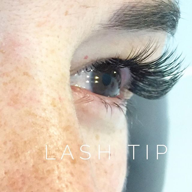 LASH TIP // Avoid using mascara and an eyelash curler. Your lashes will thank you! // Lash extensions stay curly and black. Using mascara will ruin the life span of your lashes, and curling them won't do a thing!  #protip #lashtip #wink #winkwpg #winnipegstudio #winnipegsalon  #lashextensions #lashes #luxlashes #lashlove