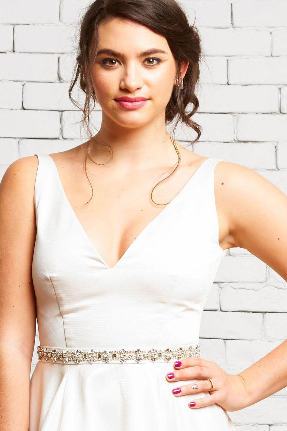 10A London Front-Rebecca Schoneveld-Modern_V-neck_Wedding_Satin_Texture_Gown.jpg