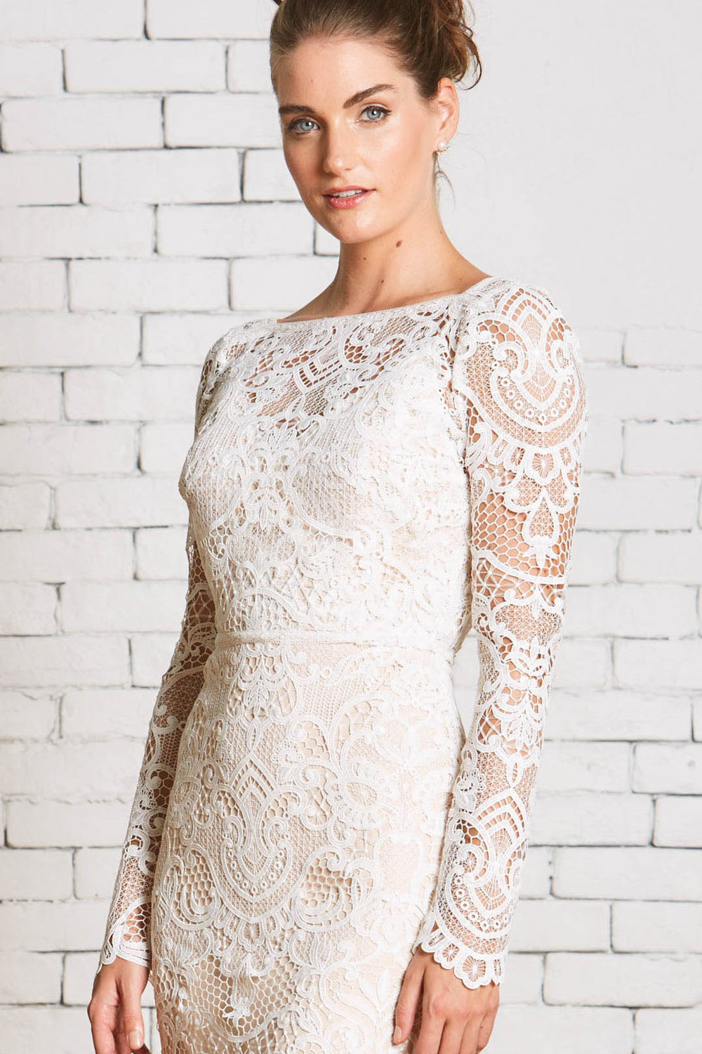 7a.Rebecca_Schoneveld_Freya_top_Bold_Lace_Stylish_Bridal_Separates.jpg