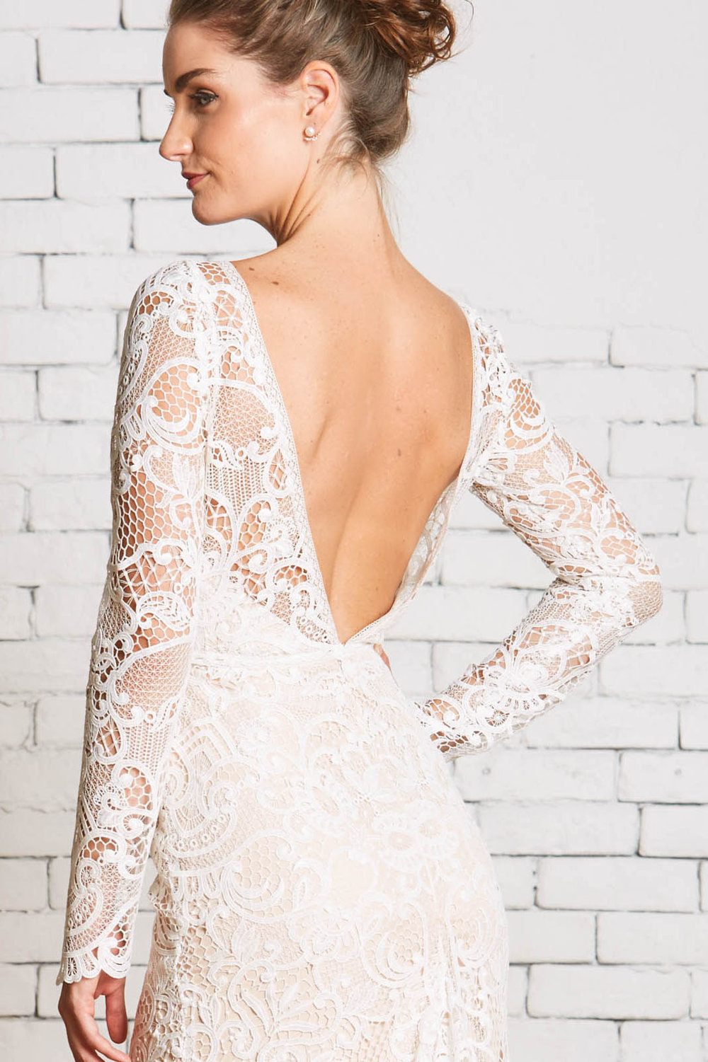 7b.Rebecca_Schoneveld_Freya_Top_Back_Bold_Lace_Pattern_Modern_Wedding_Looks.jpg