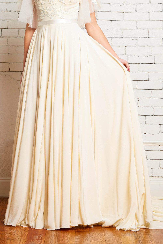 11C Hudson Front 1-Rebeccca Schoneveld-Modern_Boho_Bride_Circle_Skirt_Romantic.jpg