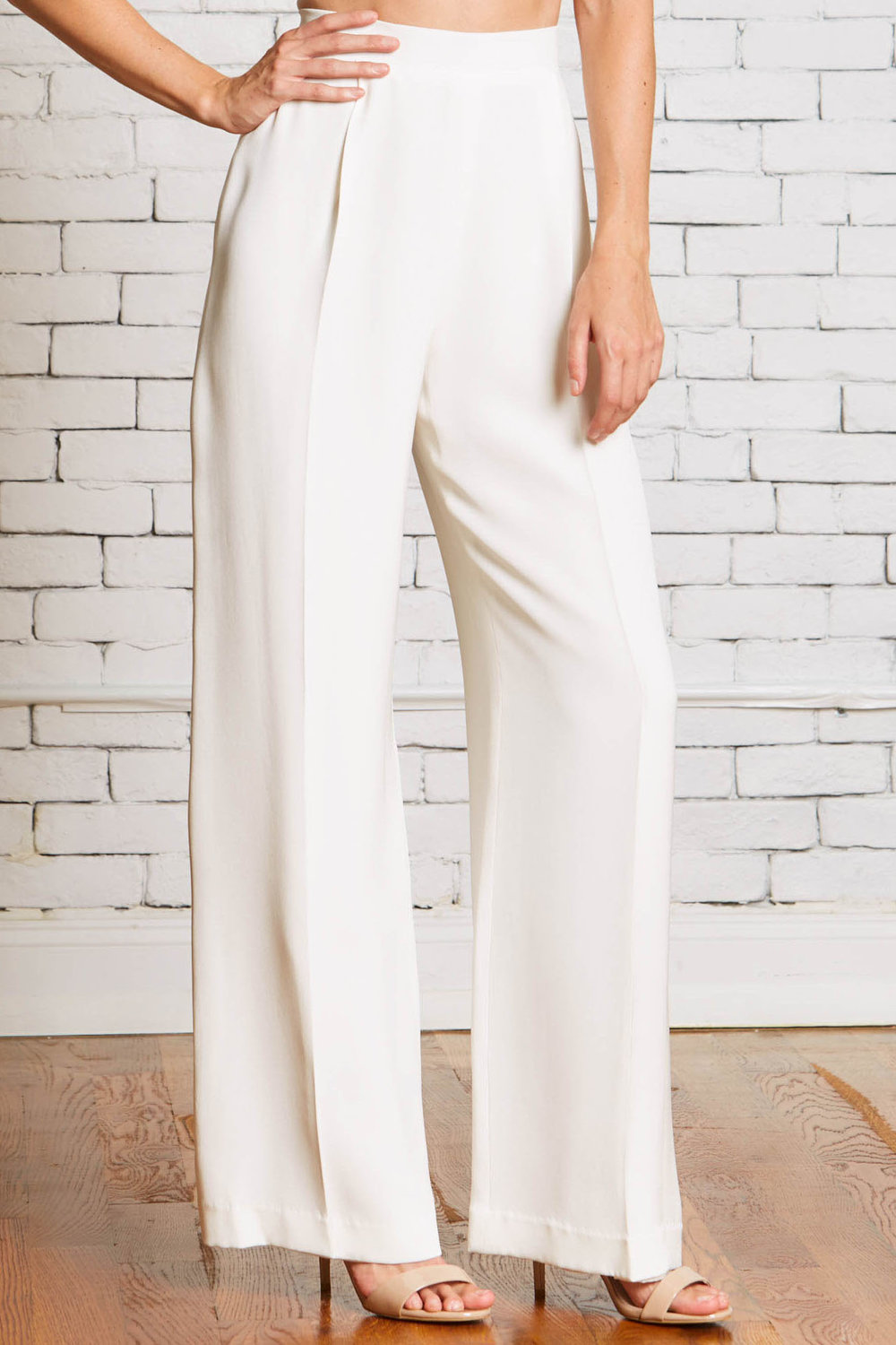 27a.Rebecca_Schoneveld_Camden_Trouser_Modern_Wedding_Look_Pants_High_waisted_style.jpg