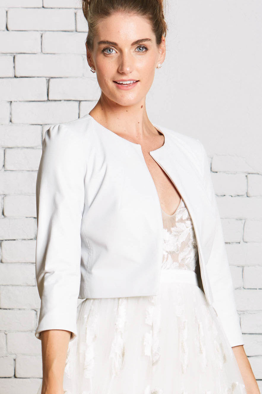 29a.Rebecca_Schoneveld_Milan_Jacket_Leather_Wedding_Gown_Coverup_Fashionable.jpg