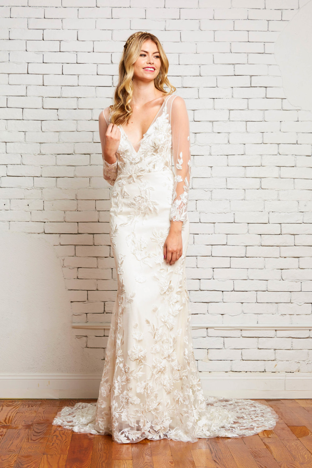 1A. Willow Front 1-Rebecca Schoneveld-2-72_bohemian_long_sleeve_v-neck_embroidered_fitted_gown.jpg