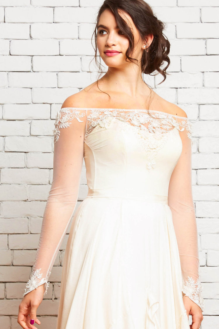 Noel_Bridal_Top_Long_Sleeves_Embroidered_Front 1-Rebecca Schoneveld-2-50.jpg