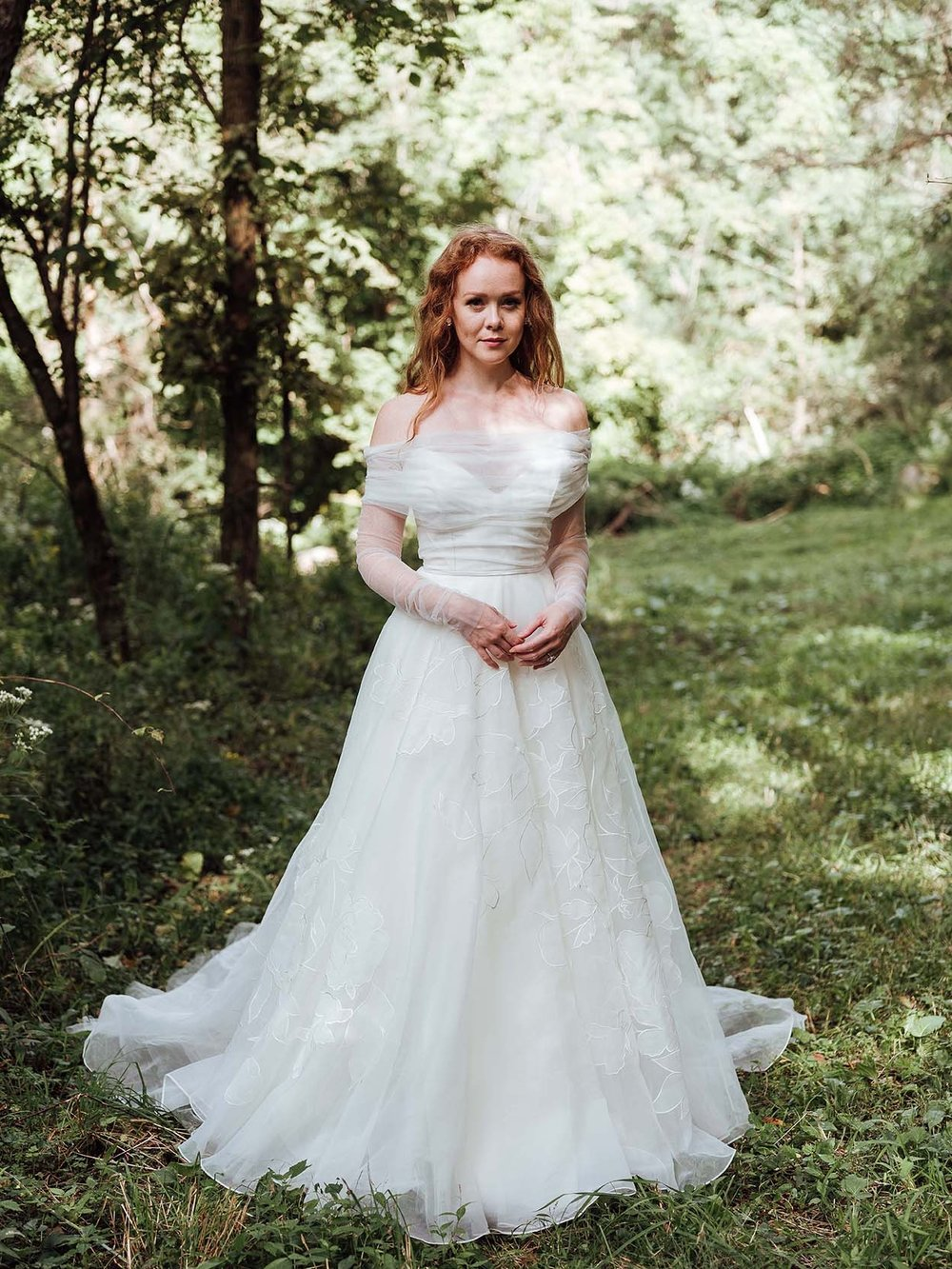 Rebecca_Schoneveld_Aurora_Topper_front_Tulle_Sleeves_Rumi_Gown_Romantic_Organze_off_the_shoulder.jpg