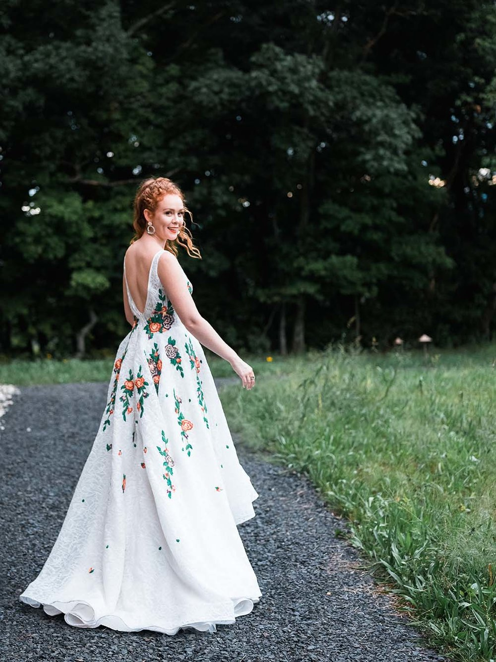 Rebecca_Schoneveld_Isabel_Gown_boho_highlow_Ballgown_plunging_v_v_neck_colored_embroidery_lace_bohemian_back_2.jpg
