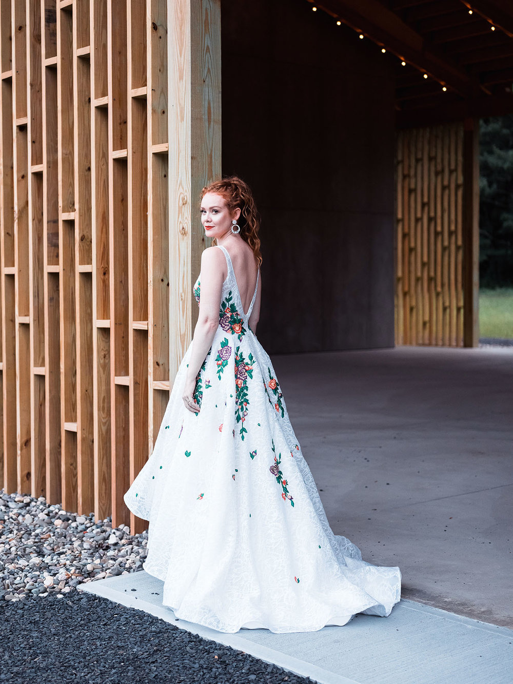 Rebecca_Schoneveld_Isabel_Gown_boho_highlow_Ballgown_plunging_v_v_neck_colored_embroidery_lace_bohemian_back.jpg
