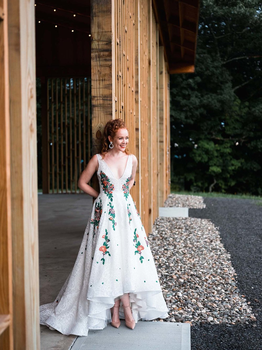 Rebecca_Schoneveld_Isabel_Gown_boho_highlow_Ballgown_plunging_v_v_neck_colored_embroidery_lace_bohemian_front.jpg