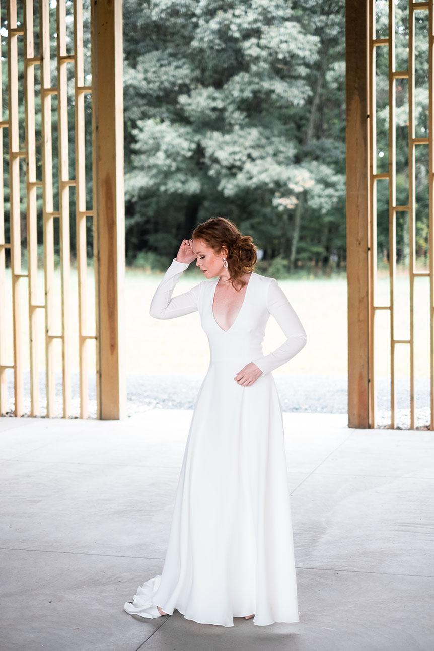 rebecca_schoneveld_morgan_gown_clean_modern_v_neck_long_sleeved_.jpg