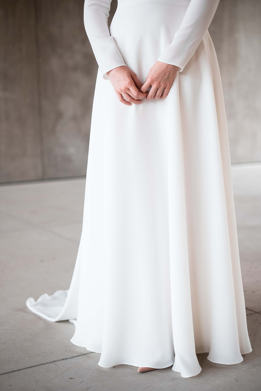 rebecca_schoneveld_morgan_gown_clean_modern_v_neck_long_sleeved_3.jpg