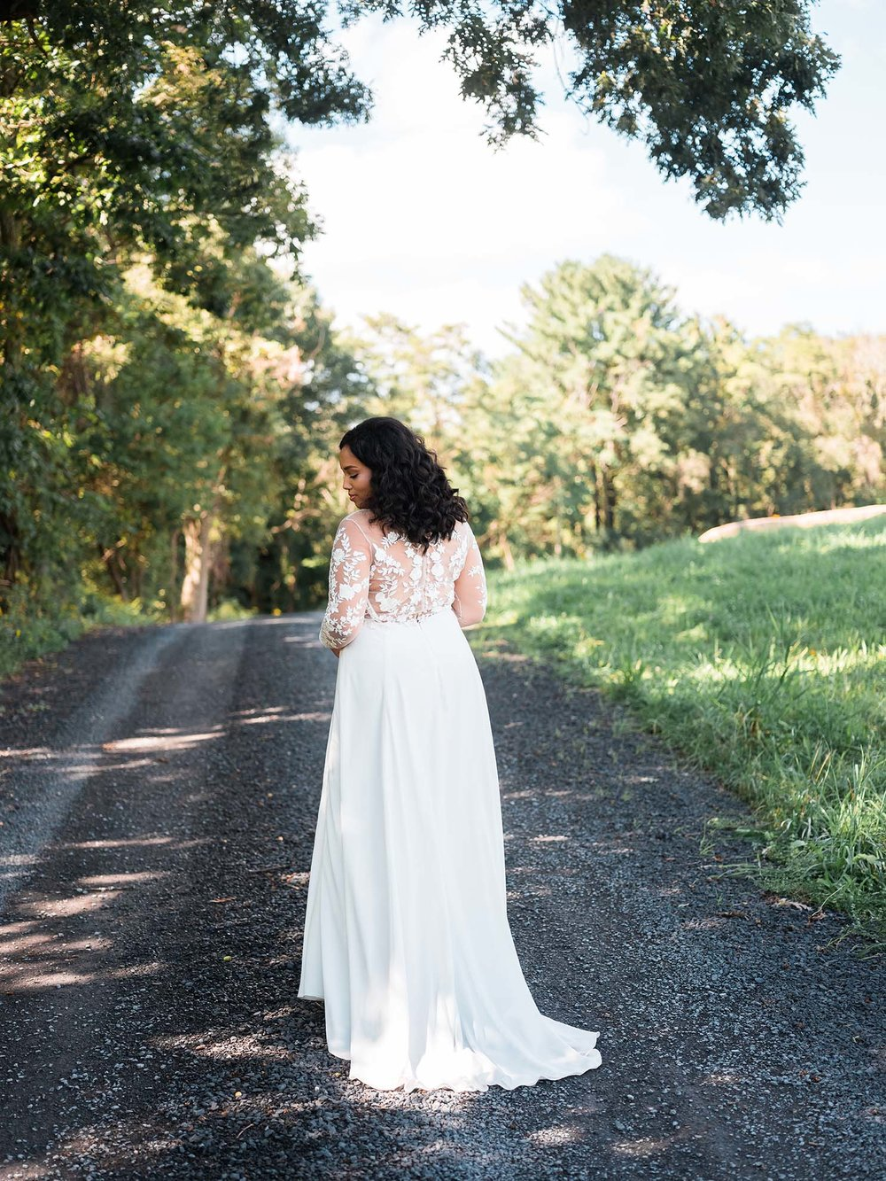 Rebecca_Schoneveld_Juliet_gown_long_sleeved_nude_tulle_embroidered_bodiec_skit_romantic_boho_18_back.jpg