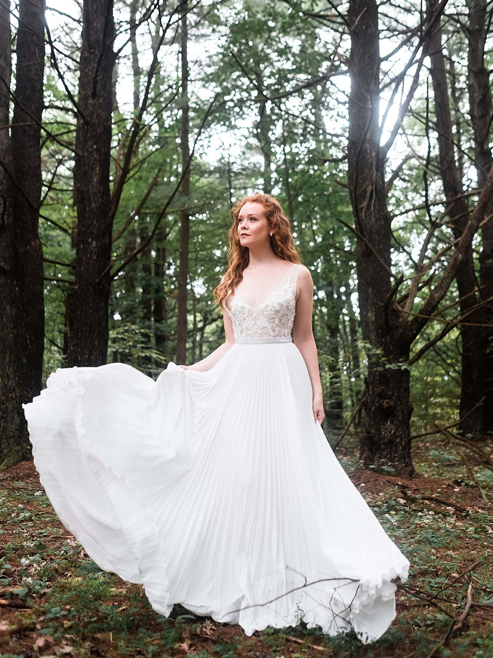 rebecca_schoneveld_quinn_gown_applique_bodice_pleated_skirt_romantic_3.jpg