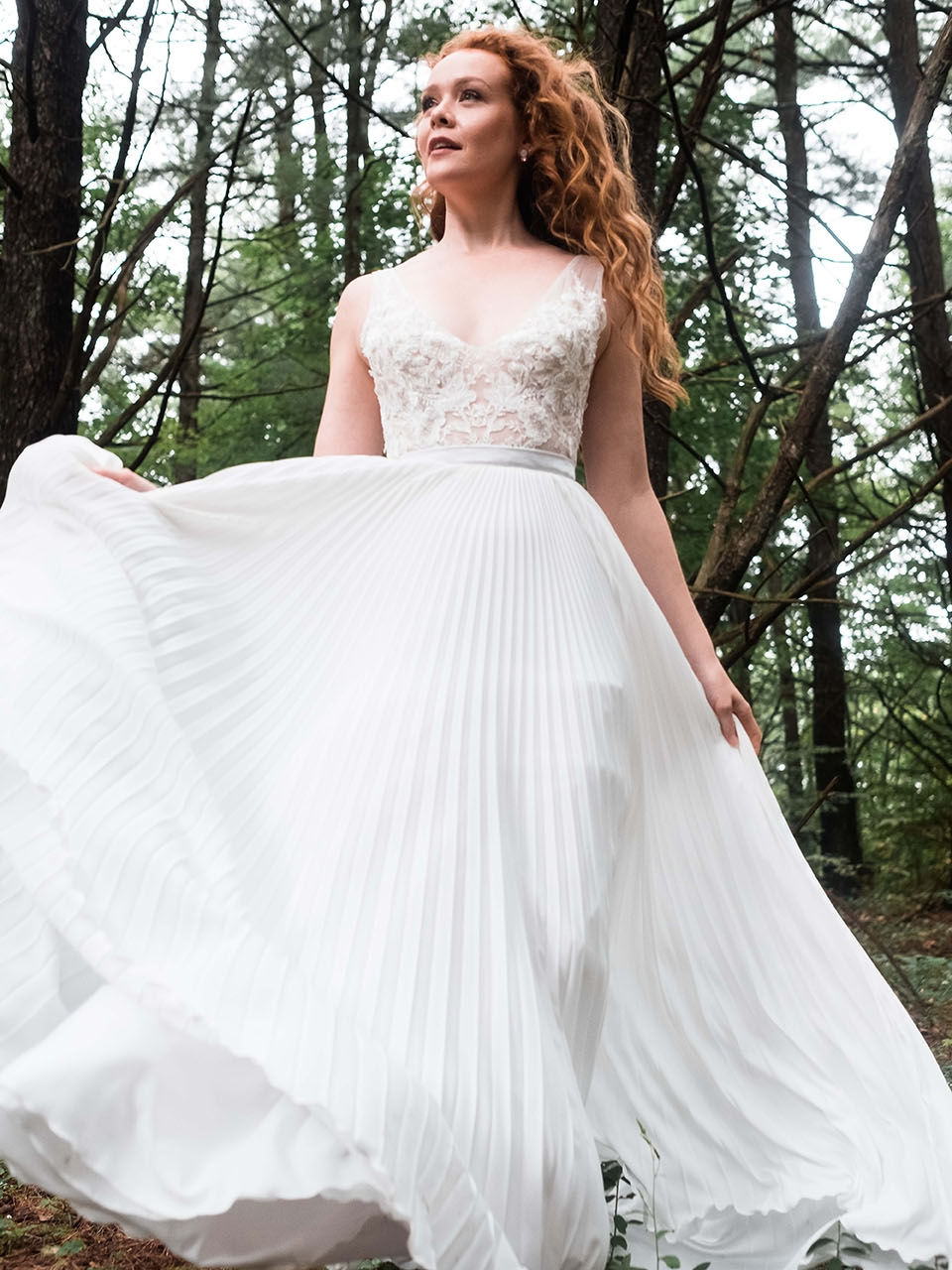 rebecca_schoneveld_quinn_gown_applique_bodice_pleated_skirt_romantic_4.jpg