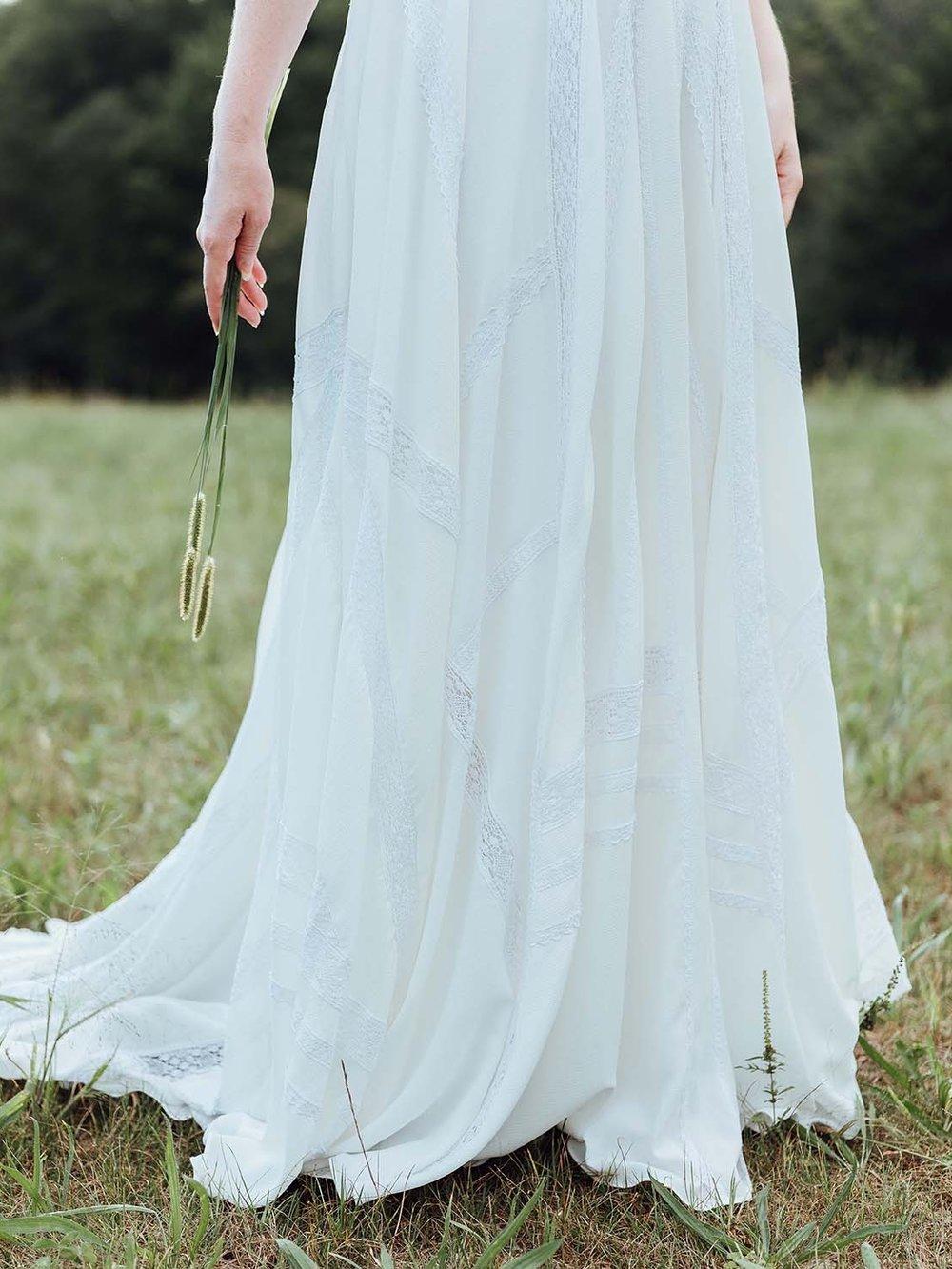 WSPCo-Gather-Greene-Rebecca-Schoneveld-Bridal_geometric_lace_wedding_gown_boho_lace.jpg