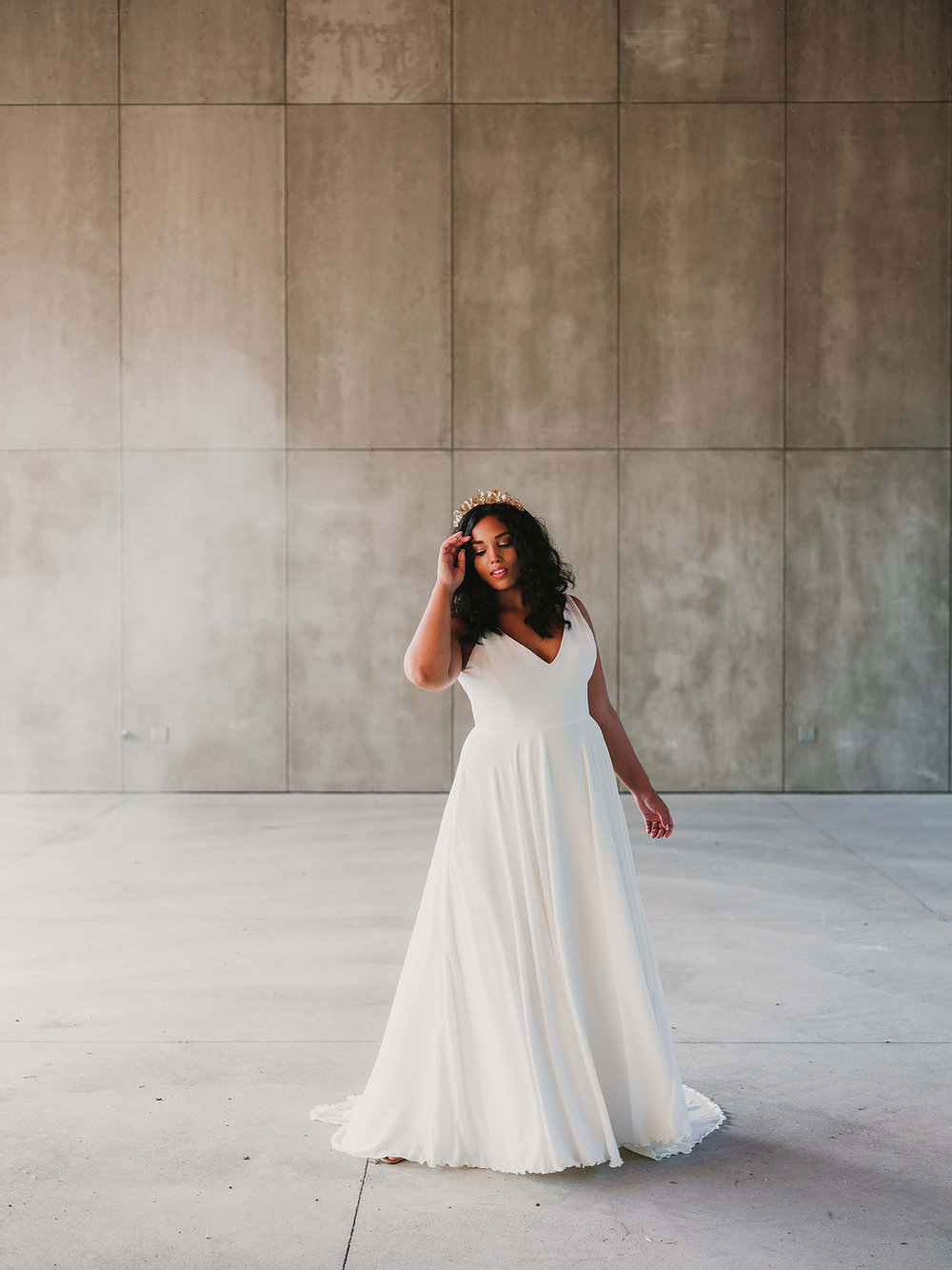 WSPCo-Gather-Greene-Rebecca-Schoneveld-Bridal-163_plus-size_bridal_gown_soft_romantic__beach_wedding.jpg