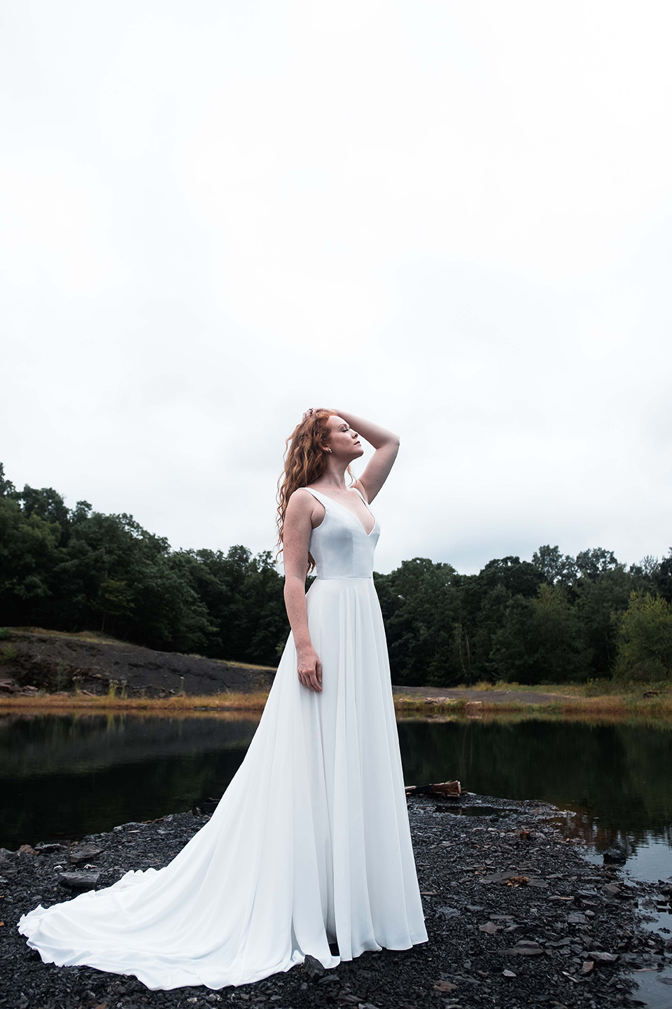 WSPCo-Gather-Greene-Rebecca-Schoneveld-Bridal-423_modern_clean_beach_wedding_gown.jpg
