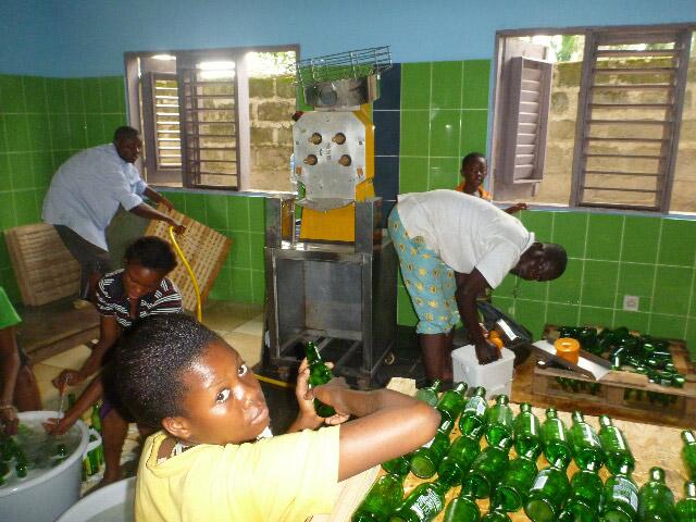 Washing bottles for juice