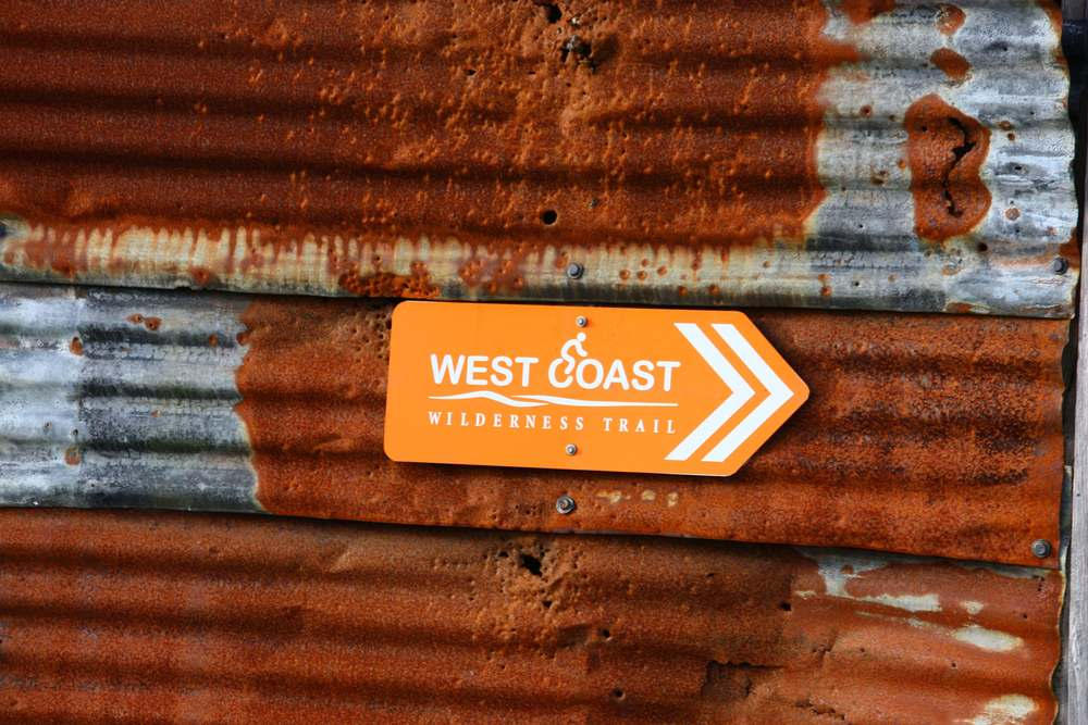Rusty Sign.JPG