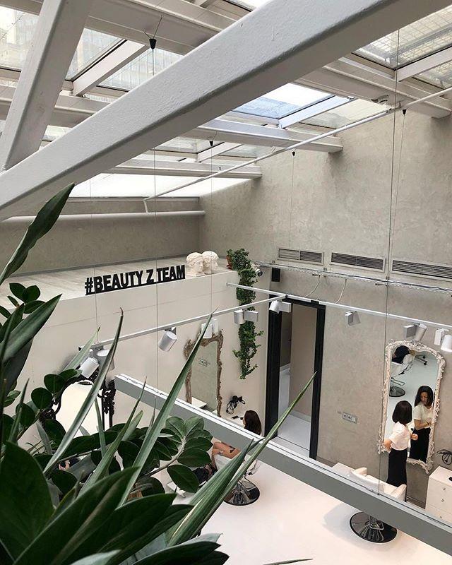 Beauty Z в поисках администратора салона. Присоединяйтесь к нашей команде топ-профессионалов бьюти-индустрии! Ждём ваши письма по адресу hello@beautyz.moscow #beauty_z_team