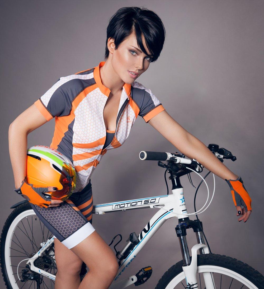 Orange chevron jersey 55£ | Chevron shorts 55£