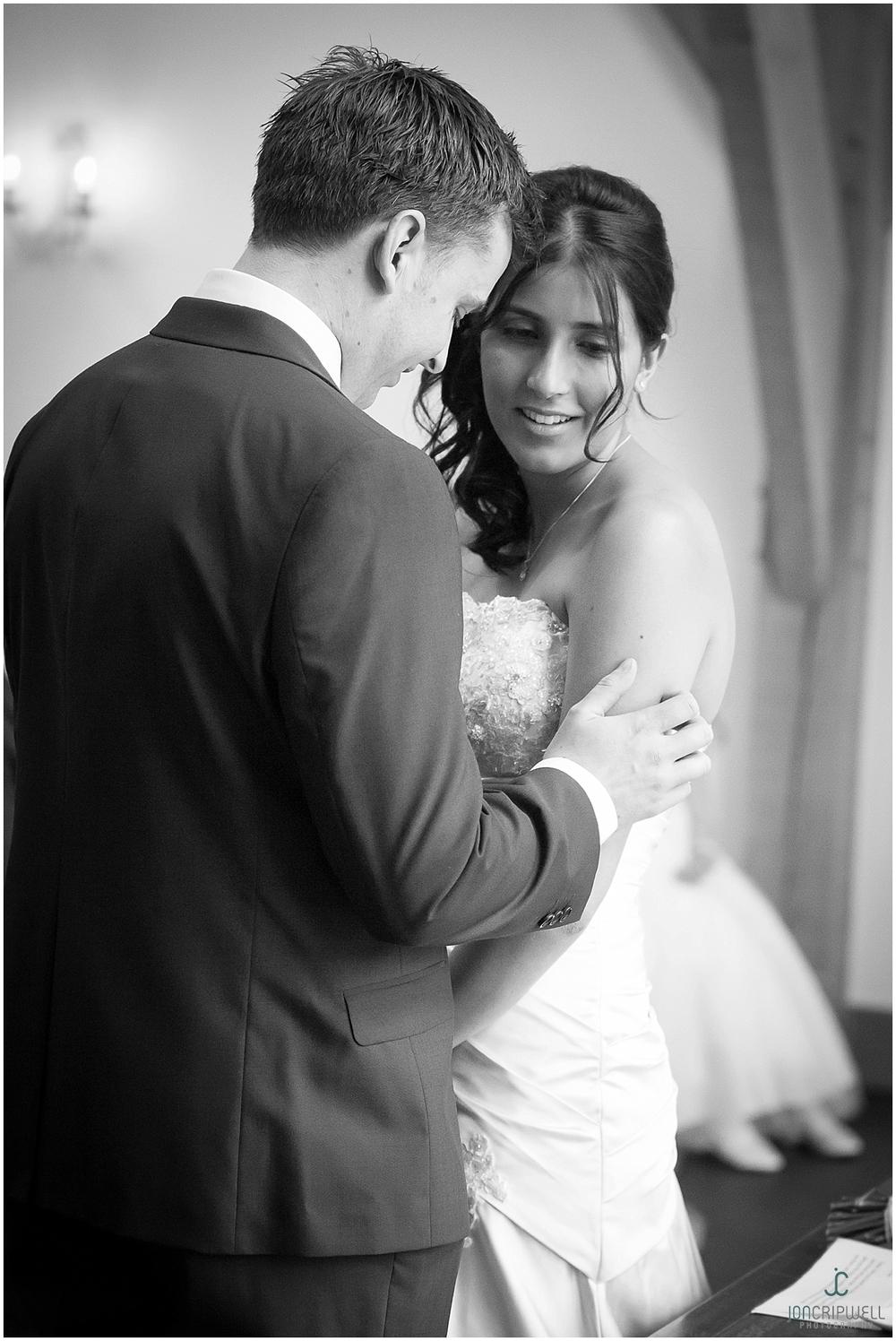 Mythe Barn Wedding_0044