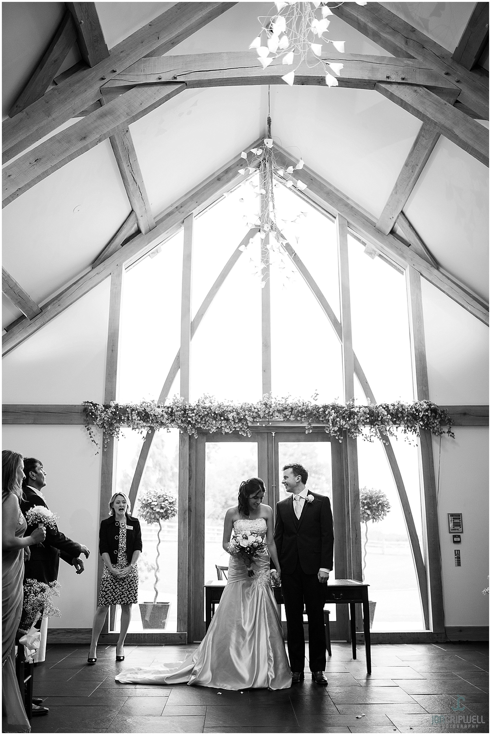 Mythe Barn Wedding_0048