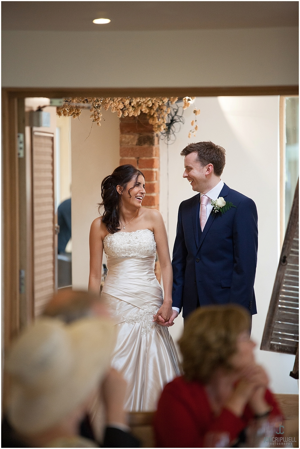 Mythe Barn Wedding_0054