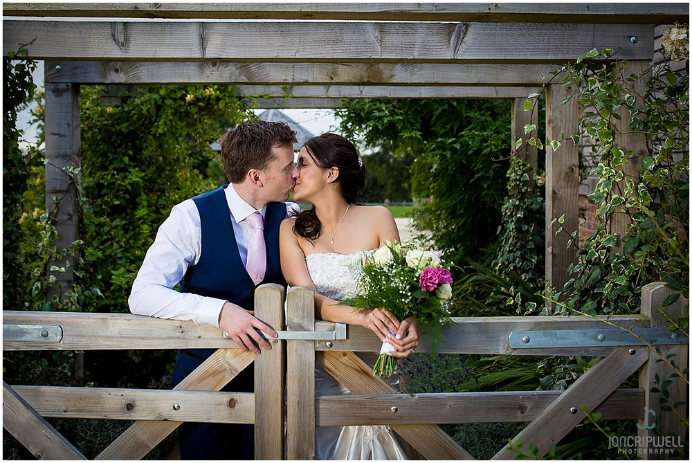 Mythe Barn Wedding_0058