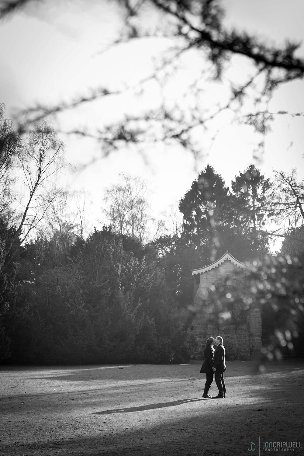 Elvaston-Castle-Engagement-Shoot_0004.jpg