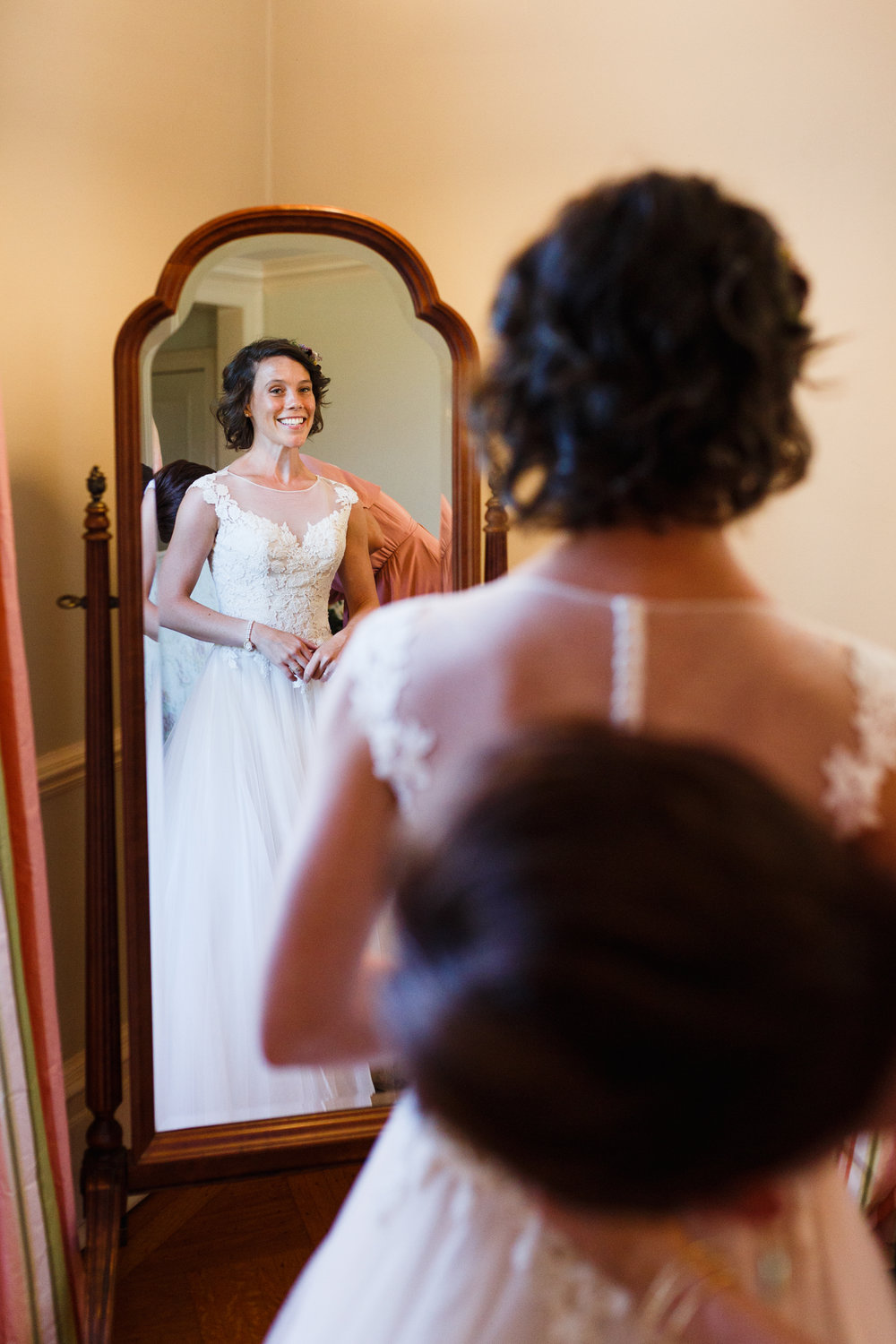 EMILY+MARCELO-GETTINGREADY-0047.JPG