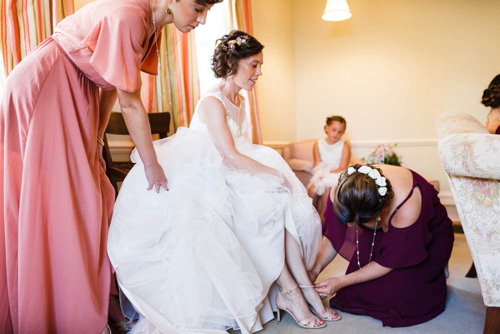 EMILY+MARCELO-GETTINGREADY-0052.JPG