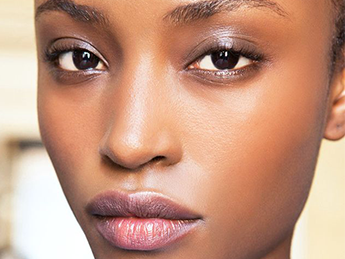 Baiser Press, Byrdie, Here's how to make your pores (almost) disappear
