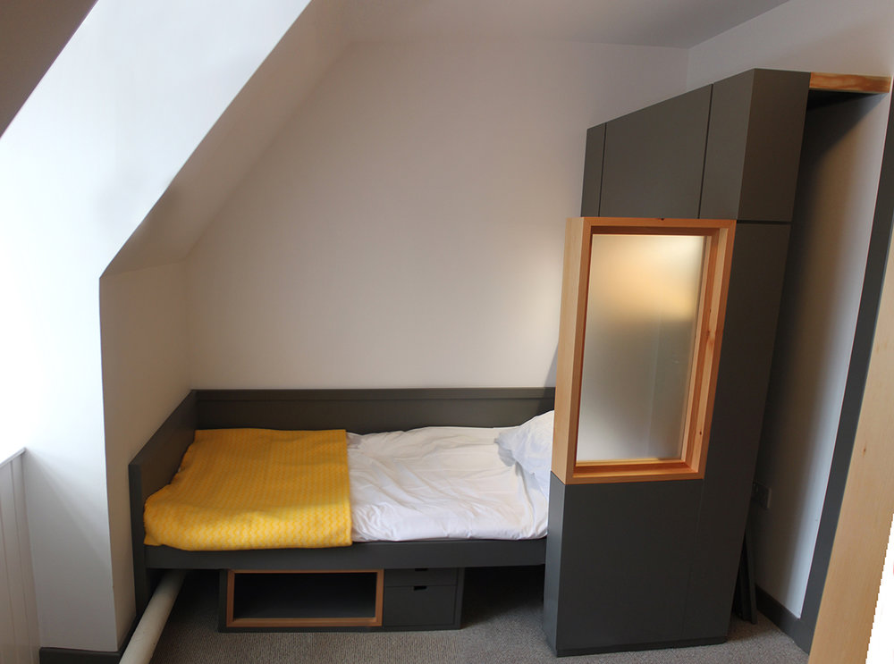 118PB Bed Mode.jpg
