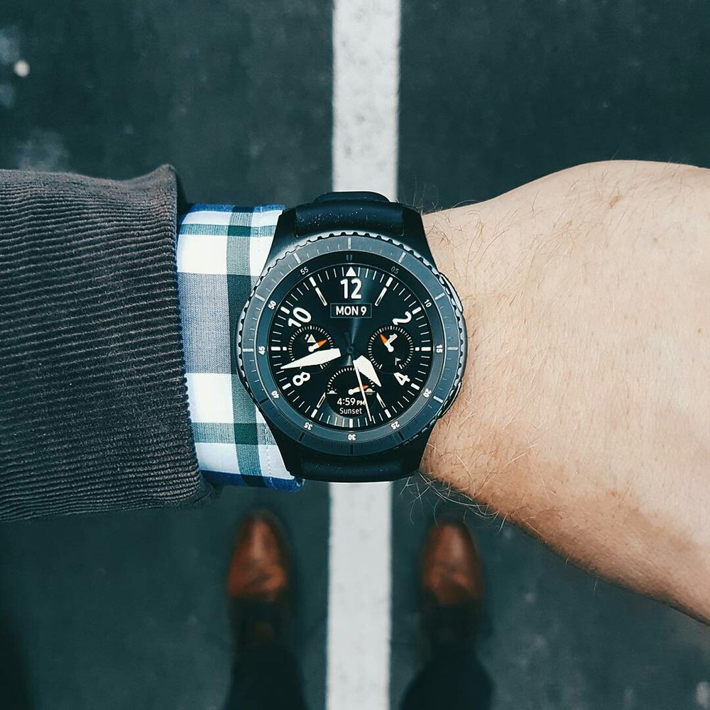 Suit or casual, this watch goes with everything.