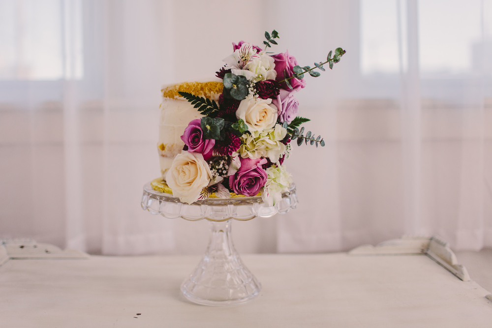 8. NAKED CAKE