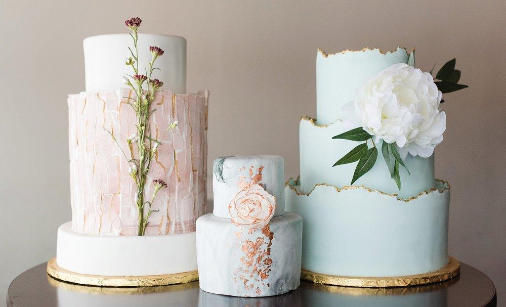 Creme-weddingcake_01.jpg