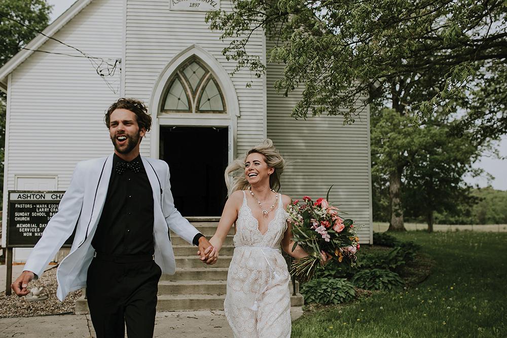 road-trip-romance-wedding-raelyn-ramey-photography-32.jpg