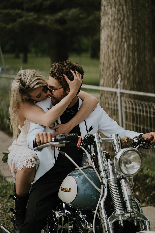 road-trip-romance-wedding-raelyn-ramey-photography-37.jpg