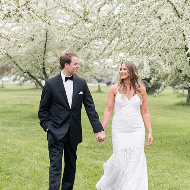 Chelsea + Ben - Be inspired by classic style at a classic Des Moines reception venue, Temple for Performing Arts.