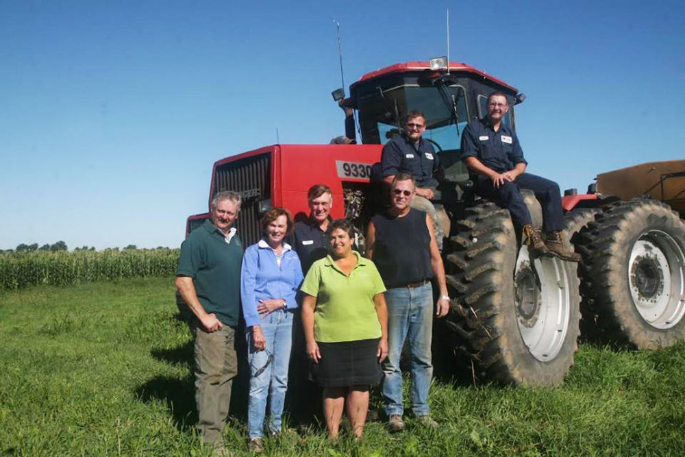 Members of the Stein Family work together on their family farm, along with many full-time employees, some of whom have been working with the Stein's for up to 25 years. Photo sources: Daily Herd
