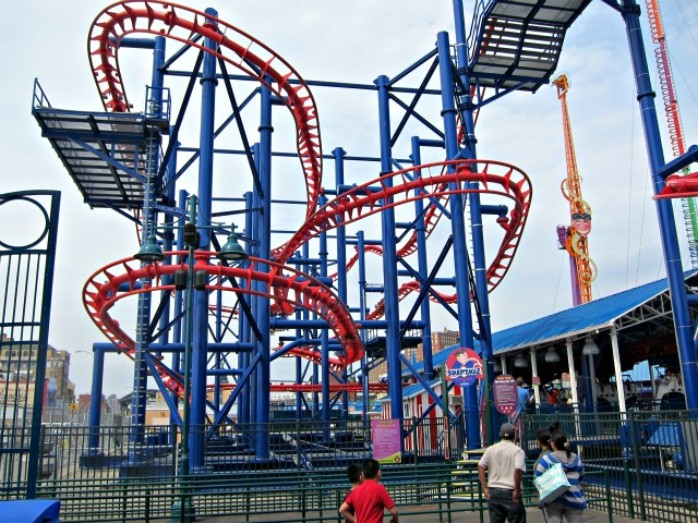coney-island-luna-park-scream-zone-2.jpg
