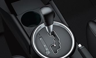 CAMBIO AUTOMATICO A 6 MARCE   Il motore 2.2 litri è abbinato al cambio automatico a 6 marce, perfettamente sintonizzati per fornire un'accelerazione senza sforzo a qualsiasi velocità.