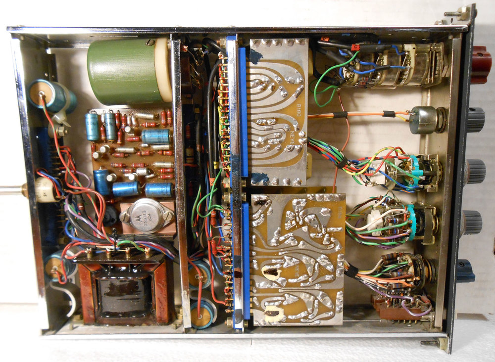 Neve 1063 Guts (note the single, large, round mic input transformer).