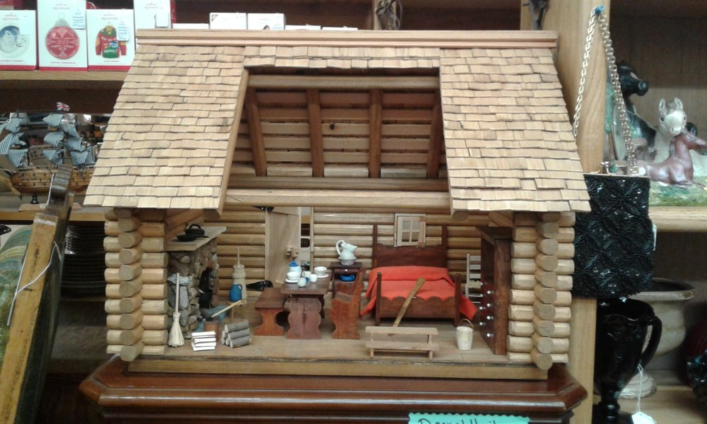 A gorgeous handmade rustic doll house cabin.  Crafted by Mr. Kim Corley from Sutter Creek, California.  He hand made every little thing in and on this fabulous cabin.  A must have for any county décor, rustic, primitive...  $500.00