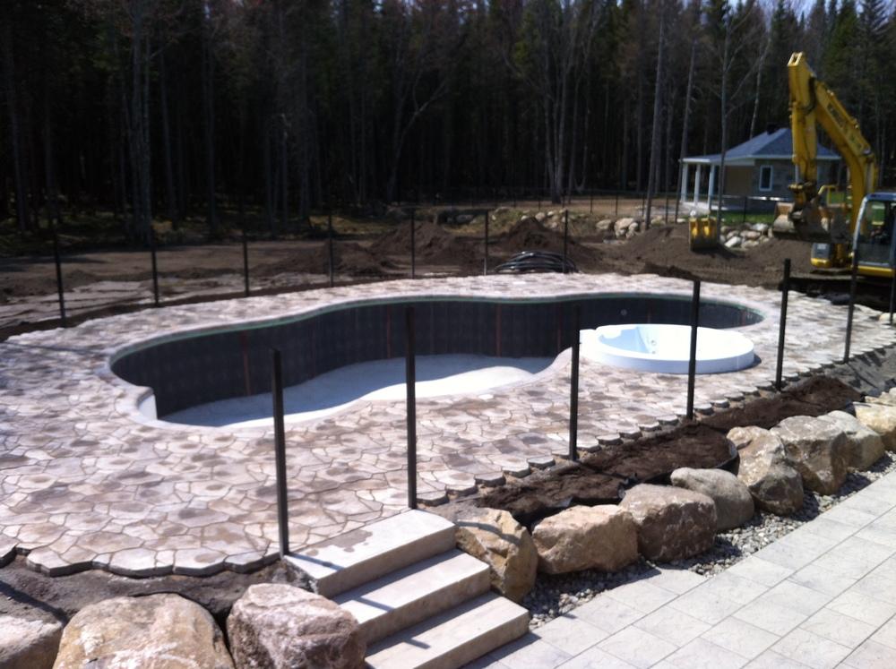 Aménagement tour de piscine, Québec
