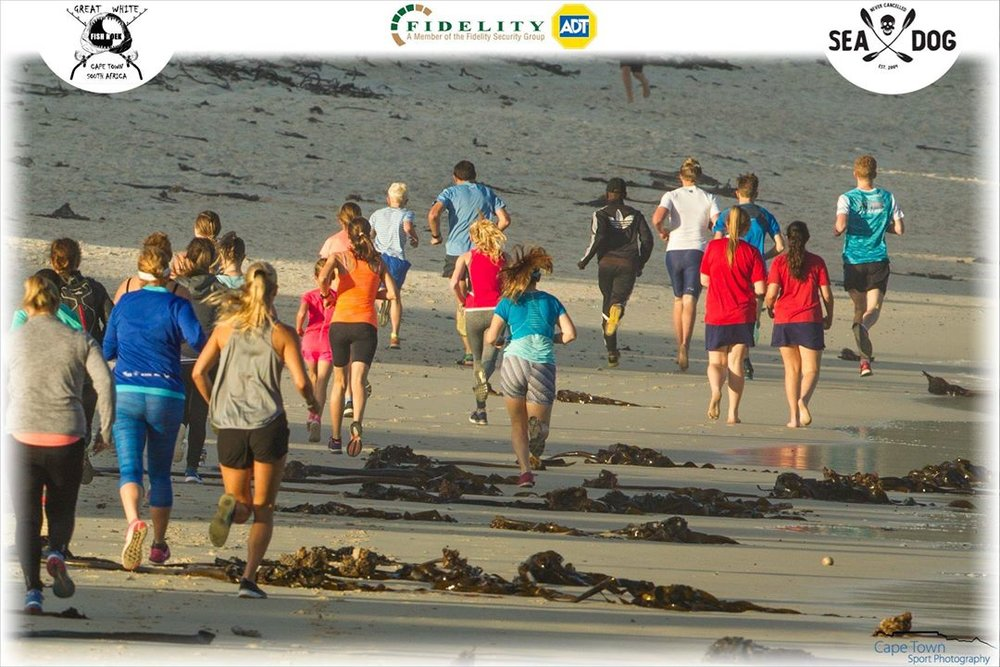 MountainLion Runners set off along the beautiful Fish Hoek beach for the new, fun and easy 5km route. (Photo: Cape Town Sport Photography).