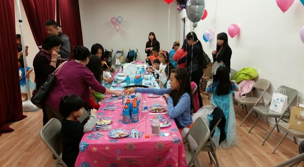 Rental- Frozen Theme Birthday Party 5.jpg