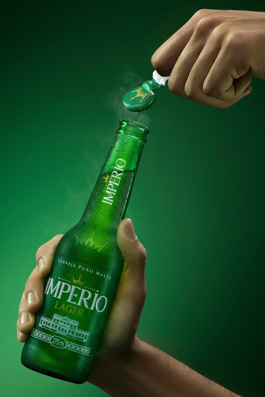 BOTTLE---PURO-MALTE-PILSEN-600ML---SMOKE-3.jpg